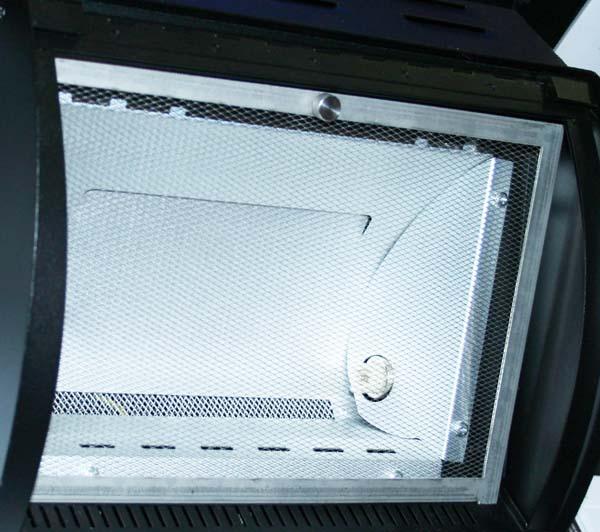 Reflektor mit Schlitzen und Löchern