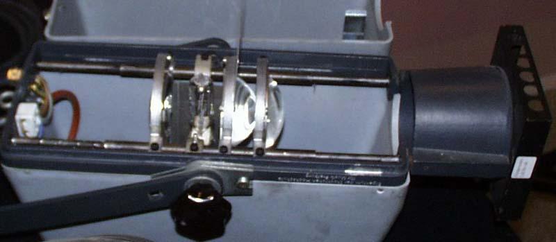 Blick in einen Kondensorlinsenscheinwerfer