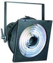 Niedervoltscheinwerfer mit der Typischen Ringblende die Streulicht minimiert.