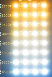 Das Bild zeigt leuchtende Weisslicht LEDs in verschiedenen Farbtemperaturen.