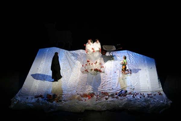 Szenenbild aus Zeit der Schildkröten Regie Reinhard Hinzpeter