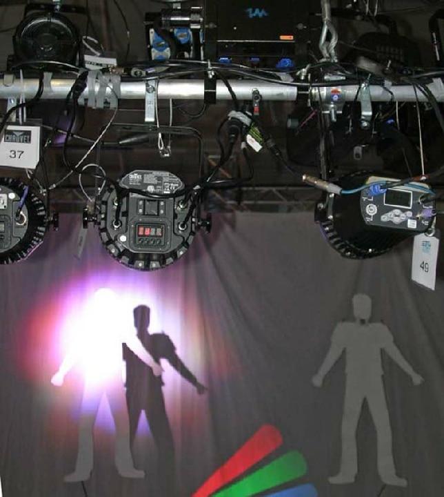 Rotrand-Erscheinung. Grüne und blaue LEDs weisen andere Abmessungen auf als rote LEDs