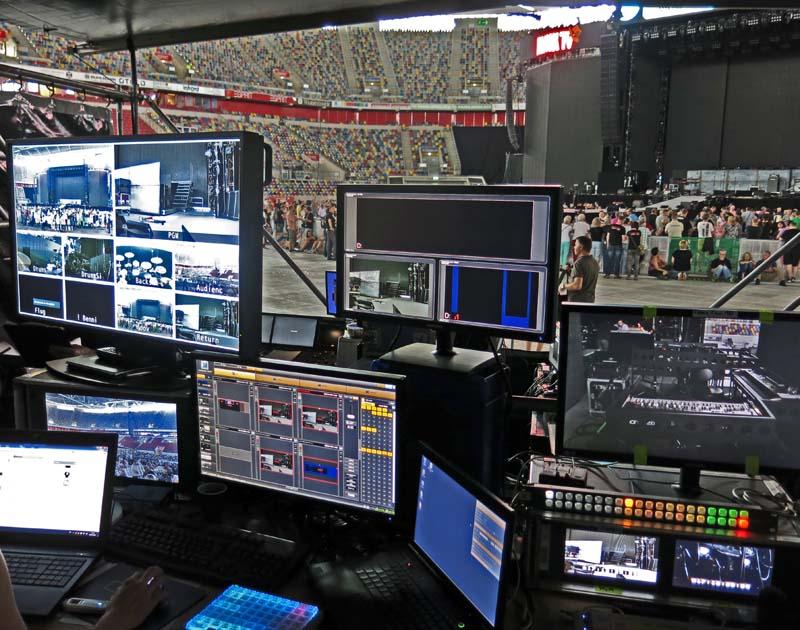 Displays zeigen anliegende Inhalte der Medienserver